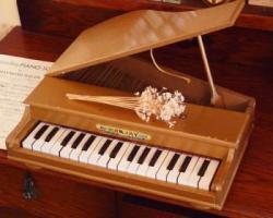 アンティーク トイピアノ ゴールド