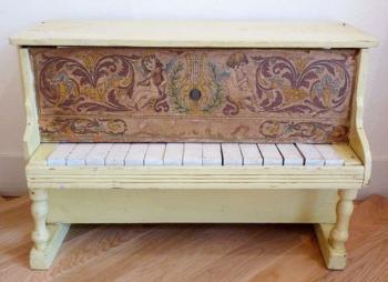 アンティーク Cherub wood アップライト トイピアノ