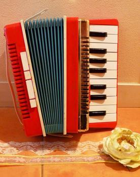 ゴールデンピアノ トイアコーディオン EMENEE INDUSTRIES.INC製 オリジナルBOX付
