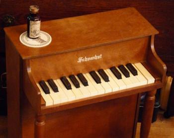 アンティーク シェーンハット トイピアノ 25key