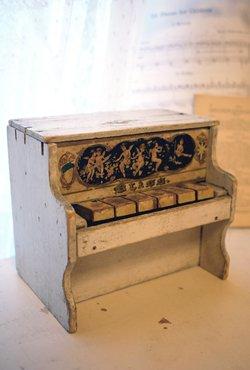アンティーク シェーンハット mini トイピアノ ホワイト 1900's