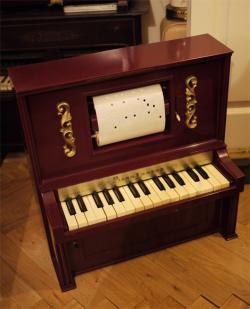 アンティーク プレイヤー・トイピアノ 30key   toy piano J chain & co ジャンク