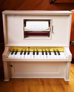 アンティーク プレイヤー・トイピアノ 30key   toy piano J chain & co 動品