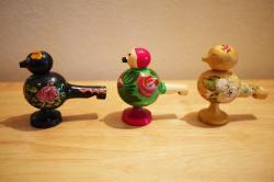 ロシアのおもちゃ 木製 鳥笛 金色
