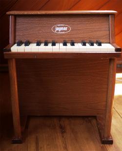 JAYMAR アップライト アンティークトイピアノ 25key