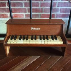 アンティーク シェーンハット  卓上 トイピアノ 30key  2.5オクターブ