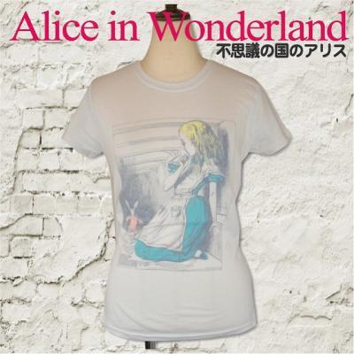 """不思議な国のアリス """"House"""" Tシャツ"""