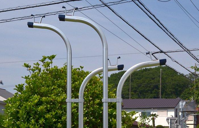 横幅68センチ アルミ物干し台 IH-YS 本体カラー・シルバー (左右で1セット)+ベース付きセット