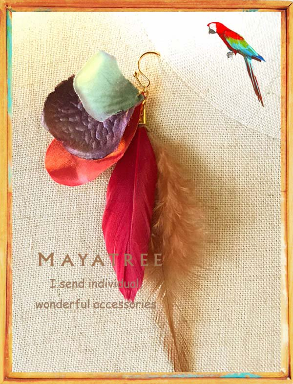 Flower feather pierce*MayaTree*蜂鳥<img class='new_mark_img2' src='https://img.shop-pro.jp/img/new/icons11.gif' style='border:none;display:inline;margin:0px;padding:0px;width:auto;' />