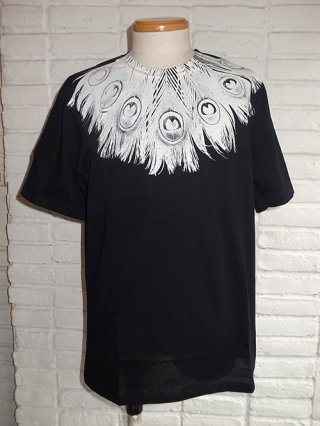 <font color=red>50%OFF</font>【GalaabenD】30/1 シルケット天竺 PEACOCK FEATHER PRT Tシャツ (BLACK)
