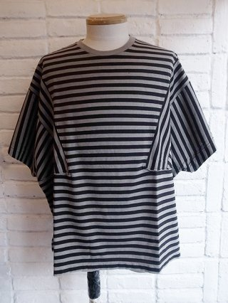 【DIET BUTCHER SLIM SKIN】Garment dyed lateral stripes short sleeve T-shirt (PIGMENT GRAY×BLK BORDER)