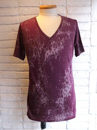 【kiryuyrik/キリュウキリュウ】T/C TENJIKU V-Neck T-shirts (Bordeaux×Red Print)