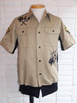 <img class='new_mark_img1' src='https://img.shop-pro.jp/img/new/icons8.gif' style='border:none;display:inline;margin:0px;padding:0px;width:auto;' />【kiryuyrik/キリュウキリュウ】Remake Army S/S  Shirts w/Embroidery&swaro (BEIGE+BK Prt)