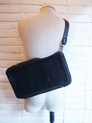 【incarnation/インカネーション】CALF LEATHER BAG CLUTCH SHOLDER UNLINED (BLACK)