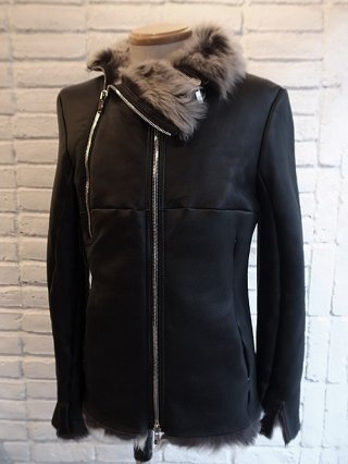 <img class='new_mark_img1' src='https://img.shop-pro.jp/img/new/icons8.gif' style='border:none;display:inline;margin:0px;padding:0px;width:auto;' />【incarnation】SHEEP SHEARLING WIDE NECK DUAL ZIP BLOUSON (BLACK×WHITE)