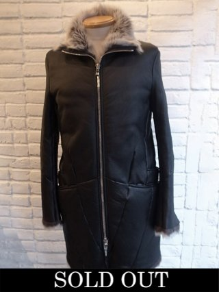 <img class='new_mark_img1' src='https://img.shop-pro.jp/img/new/icons8.gif' style='border:none;display:inline;margin:0px;padding:0px;width:auto;' />【incarnation】SHEEP SHEARLING ZIP FRONT W/POCKET COAT (BLACK×WHITE)