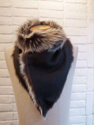 <img class='new_mark_img1' src='https://img.shop-pro.jp/img/new/icons8.gif' style='border:none;display:inline;margin:0px;padding:0px;width:auto;' />【incarnation】SHEEP SHEARLING NECK WARMER (BLACK×WHITE)