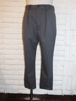 【yoshiokubo/ヨシオクボ】SILK/WOOL TUCK PANTS (GRAY)