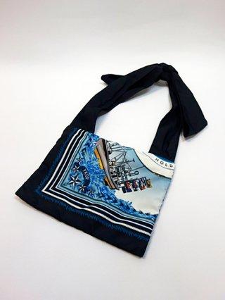 【yoshiokubo/ヨシオクボ】SHIP SCARF BAG (BLUE)