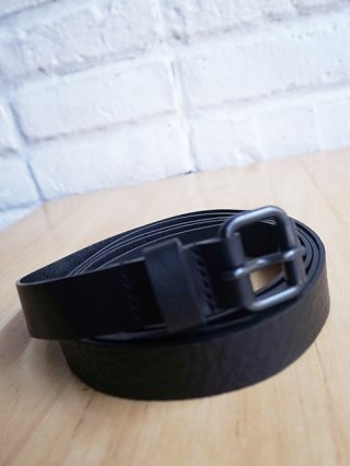 <img class='new_mark_img1' src='https://img.shop-pro.jp/img/new/icons8.gif' style='border:none;display:inline;margin:0px;padding:0px;width:auto;' />【NUDE:MM】Cow Leather Belt (BLACK)