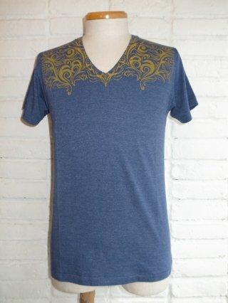 【AYUITE/アユイテ】ヨークプリント V-ネック Tシャツ(NAVY)