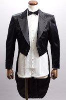 黒い燕尾ジャケット