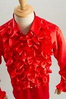 赤いフリルシャツ