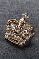 王冠  ブローチ ラインストーン ゴールド #1025の画像