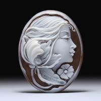 美しい横顔女性像のシェルカメオルース 作家ジョヴァンニ・アヴェルサーノ