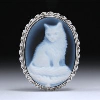【プラチナコーティング済】キュートな仔猫モチーフのストーンカメオペンダントトップ