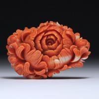 【ボリューム感があります】美しい薔薇モチーフのサンゴカメオルース