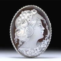 【気品あるモチーフ】「薔薇の髪飾りの美女」シェルカメオペンダントブローチ 作家チーロ・フレーシア