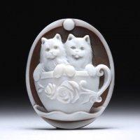 【キュート】「ティーカップの猫ちゃんたち」モチーフシェルカメオルース 作家ピエトロ・シモネッリ
