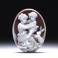 【ほのぼの】シェルカメオルース「子を抱く母とうさぎ」 作家チーロ・フレーシア」