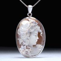 「薔薇の髪飾りの美女」モチーフのシェルカメオPトップ 作家チーロ・フレーシア