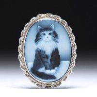 猫モチーフのストーンカメオブローチ兼Pトップ