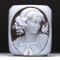斜め顔シェルカメオルース「スカーフターバンをまとった女性」 作家ジョヴァンニ・トゥルコ