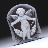 シェルカメオルース「花つぼみのリースを持つ天使 」 作家チーロ・フレーシア