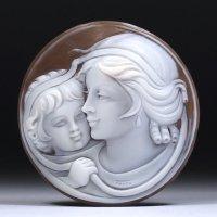 【崇高な雰囲気】シェルカメオルース「母子愛」 作家ジョヴァンニ・トゥルコ