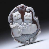 【キュート】「スニーカーで戯れる仔猫たち」モチーフシェルカメオルース 作家ピエトロ・シモネッリ