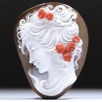 【サンゴの薔薇に注目】シェルカメオルース「薔薇の髪飾りの美女」 作家アントニオ・クリスピーノ