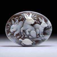 【ほのぼの】シェルカメオルース「ウサギの家族」 作家フランチェスコ・モナステーロ