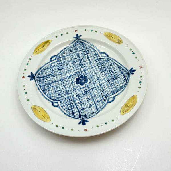 色絵染附黄楕円文平鉢