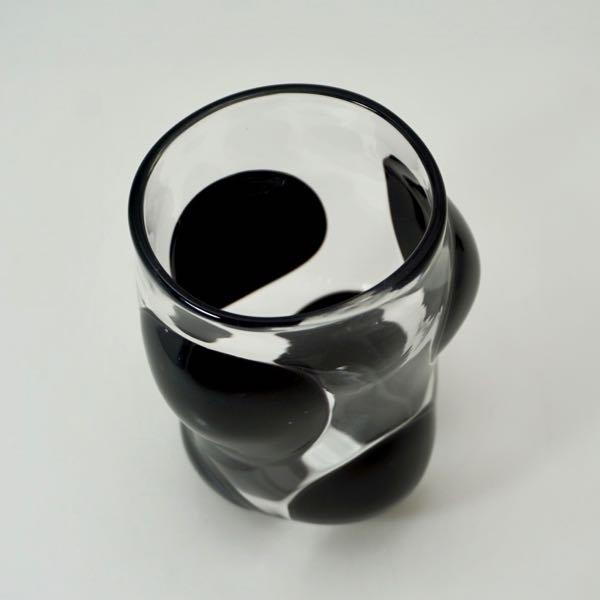 コップ 大 黒玉