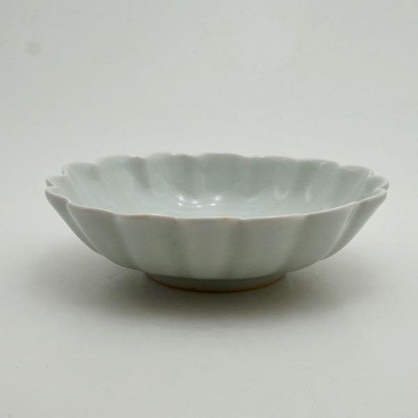 白磁輪花鉢