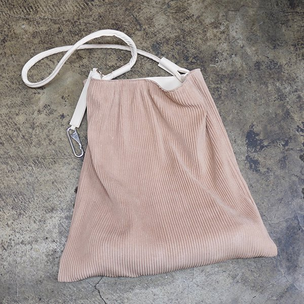PLEATED LEATHER BAG COLOR:BEiGE