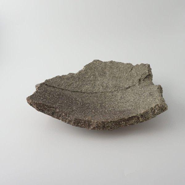 風器/灰釉変形板皿