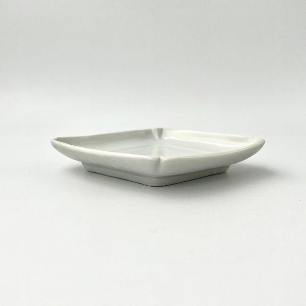 白磁菱形皿