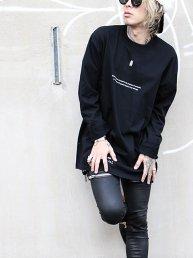-M O L T- =脱皮/Long-sleeve T-shirt