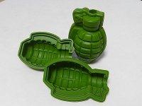大きい3Dの手榴弾(グレネード)ができる製氷皿(日本未発売)